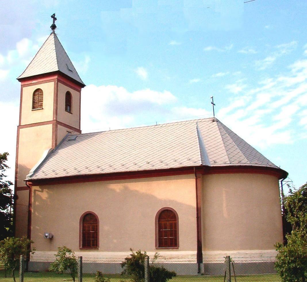 Forraskut-Katolikus-templom.jpg