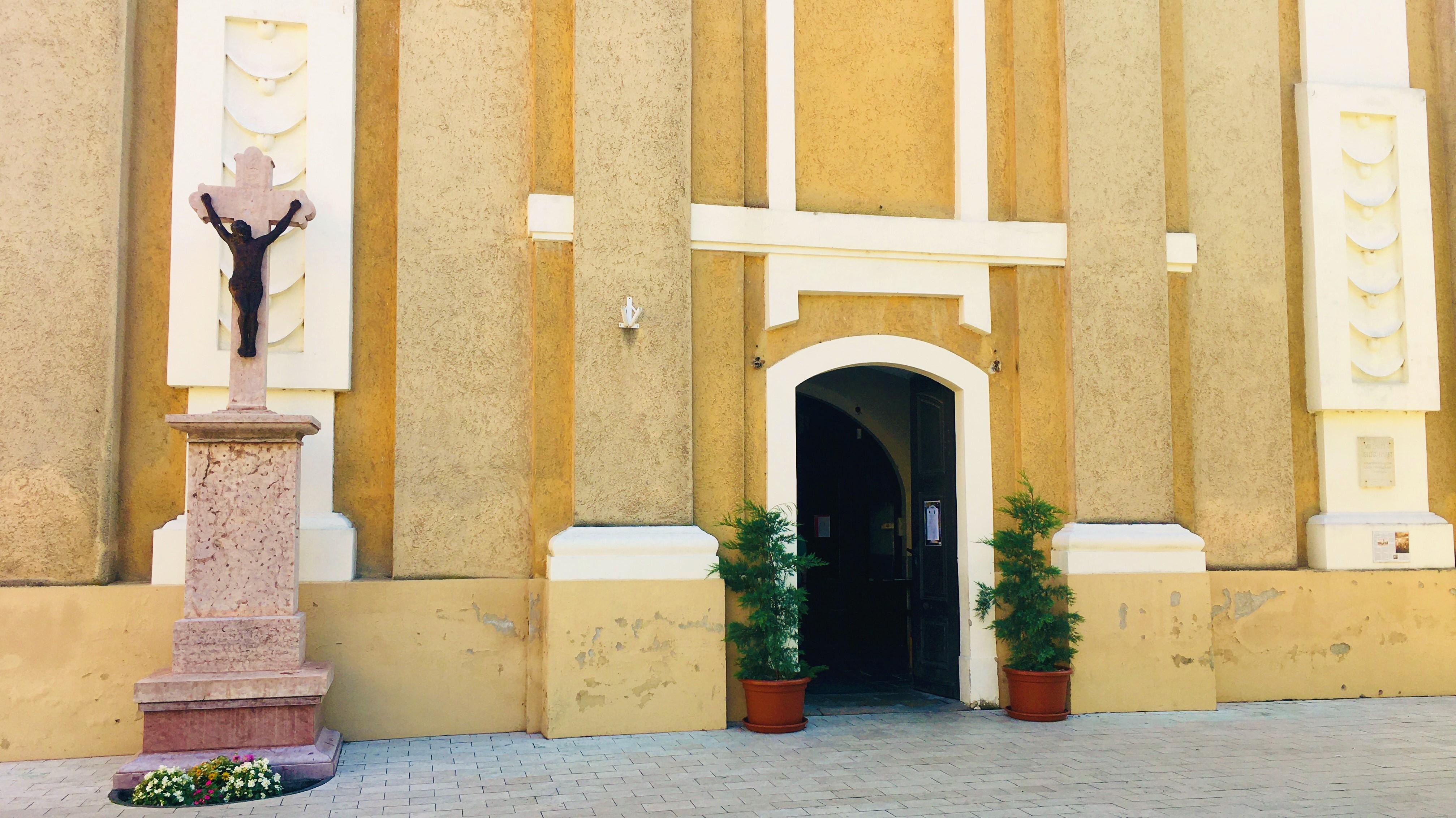 Rackeve_Katolikus_templom_3.JPEG