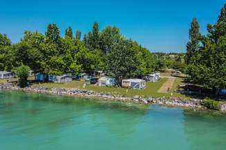 Balatonakali_Balatontourist_Strand_Holiday_Camping_1.jpg