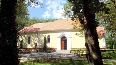 Balatonfoldvar_Karmelhegyi_Boldogasszony_kapolna.jpg