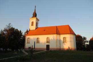 Batmonostor-Katolikus-templom.jpg
