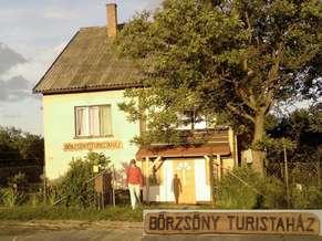Borsosbereny_Borzsony_turistahaz.jpg