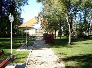 Csabacsud-Alkotmany-teri-Tajvedelmi-korzet.jpg