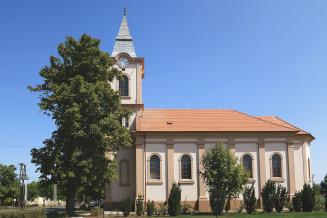 Csanadalberti-Evangelikus-templom.jpg
