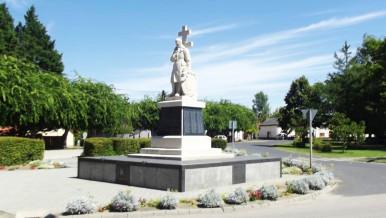 Jaszszentlaszlo-I-Vilaghaborus-emlekmu.jpg