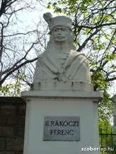 Kirandulastervezo-Erdobenye-Rakoczi-szobor.jpg