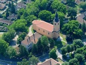 Kirandulastervezo-Pincehely-Katolikus-templom.jpg