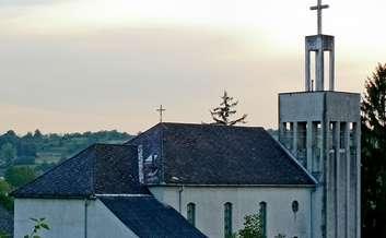Kirandulastervezo-Zselickisfalud-Katolikus-templom.jpg