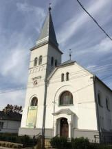 Lovopetri-Reformatus-templom.jpg