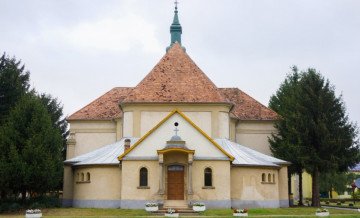 Madaras-Katolikus-templom.jpg