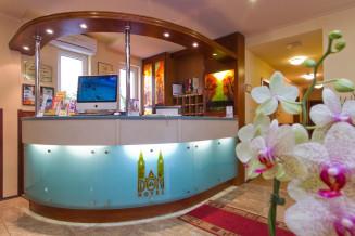 Szeged-Dom-Hotel-1.jpg