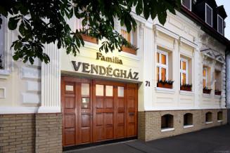 Szeged-Familia-Vendeghaz-1.jpg