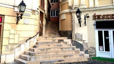 Szekesfehervar_Lepcso_utca.JPG