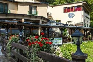 Visegrad_Patak_Part_Hotel_1.jpg