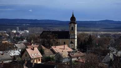 Zsambek_barokk_templom_1.jpg